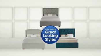 Rooms to Go Holiday Sale TV Spot, 'Upholstered Queen Beds' - Thumbnail 4