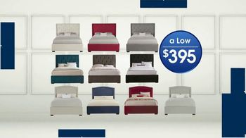 Rooms to Go Holiday Sale TV Spot, 'Upholstered Queen Beds' - Thumbnail 7