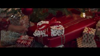 Macy's TV Spot, 'Wonder of Giving: Necklace' - Thumbnail 8
