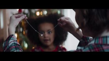 Macy\'s TV Spot, \'Wonder of Giving: Necklace\'