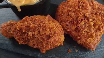 Banquet Mega Meats Nashville Hot Fried Chicken with Mac 'N Cheese TV Spot, 'Bold Spices' - Thumbnail 2