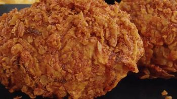 Banquet Mega Meats Nashville Hot Fried Chicken with Mac 'N Cheese TV Spot, 'Bold Spices' - Thumbnail 3