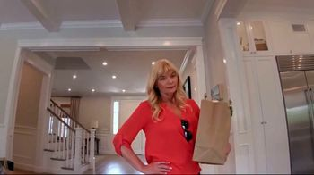 Cox Communications Panoramic WiFi TV Spot, 'Mama's House' Feat. Wild Willy - Thumbnail 4