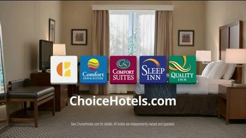 Choice Hotels Fall Travel Deal TV Spot, 'Touchdown' - Thumbnail 10