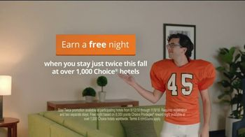 Choice Hotels Fall Travel Deal TV Spot, 'Touchdown' - Thumbnail 7