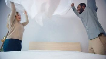 Mattress Firm Model Closeout Event TV Spot, 'Serta Memory Foam' - Thumbnail 1