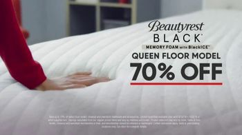 Mattress Firm Model Closeout Event TV Spot, 'Serta Memory Foam' - Thumbnail 4