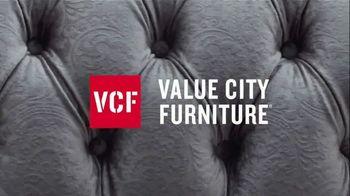 Value City Furniture TV Spot, 'Designer Looks. Big Difference: Plush' - Thumbnail 5