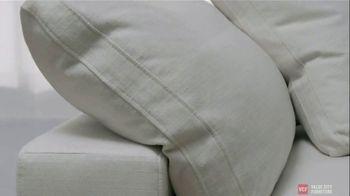 Value City Furniture TV Spot, 'Designer Looks. Big Difference: Plush' - Thumbnail 6