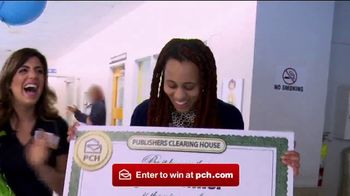 Publishers Clearing House TV Spot, '$2,500 A Week Forever: Award Day' - Thumbnail 1