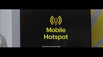 Sprint Unlimited Basic TV Spot, 'Rooftop: Five Lines for $24 a Month' - Thumbnail 4