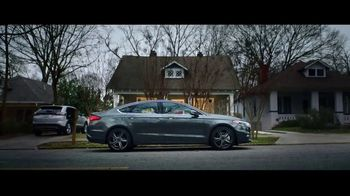 2018 Ford Fusion TV Spot, 'Born to Roll: Firefighter Nikkoel Gilmore' [T2] - Thumbnail 5