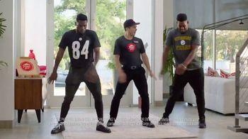 Pizza Hut TV Spot, 'Baile de la zona final' con Antonio Brown [Spanish] - Thumbnail 7