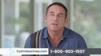 Smileactives Smile Brightening System TV Spot, 'Whiten Your Yellowing Teeth' - Thumbnail 4