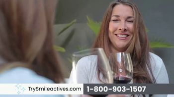 Smileactives Smile Brightening System TV Spot, 'Whiten Your Yellowing Teeth' - Thumbnail 7