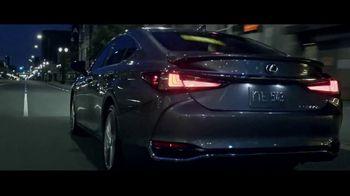 Lexus ES TV Spot, 'Why Bother' [T1] - Thumbnail 8