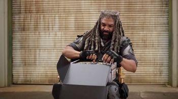 AMC The Walking Dead Supply Drop TV Spot, 'Ezekiel Unboxes Supplies' - Thumbnail 3