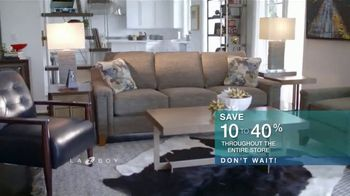 La-Z-Boy Super Sofa Sale TV Spot, 'Don't Wait' - Thumbnail 7