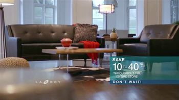 La-Z-Boy Super Sofa Sale TV Spot, 'Don't Wait' - Thumbnail 8