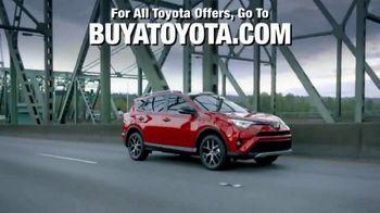 2018 Toyota RAV4 TV Spot, 'Life of Adventure' [T1] - Thumbnail 9