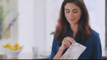 Bona Wet Cleaning Pads TV Spot, 'Every Step Should Feel This Good: No Mess' - Thumbnail 9