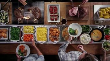 Golden Corral All You Can Eat Crab Legs TV Spot, 'Feast: $24.99' - Thumbnail 4