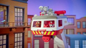 PAW Patrol Ultimate Rescue Firetruck TV Spot, 'Hop In' - Thumbnail 9