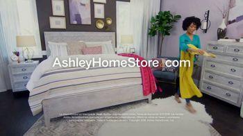 Ashley HomeStore Labor Day Mattress Sale TV Spot, 'Colchones' [Spanish] - Thumbnail 8