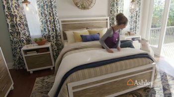 Ashley HomeStore Labor Day Mattress Sale TV Spot, 'Colchones' [Spanish] - Thumbnail 6