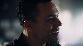 Modelo TV Spot, 'Hispanic Football Greats Fighting to Pave the Way' - Thumbnail 9