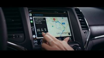 Jeep Summer of Jeep TV Spot, 'VIP: Apple Music' Song by OneRepublic [T2] - Thumbnail 6