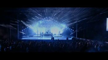 Jeep Summer of Jeep TV Spot, 'VIP: Apple Music' Song by OneRepublic [T2] - Thumbnail 7