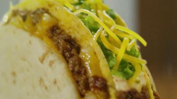 Taco Bell $5 Double Cheesy Gordita Crunch Box TV Spot, 'Added to the Sides' - Thumbnail 4