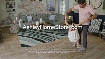 Ashley HomeStore Friends & Family Sale TV Spot, 'Sofas, Beds & Dining Sets' - Thumbnail 10