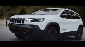 Jeep Summer of Jeep TV Spot, 'Full Line: Sold Out' Song by OneRepublic [T2] - Thumbnail 3