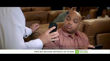 DraftKings Sportsbook TV Spot, 'Something's Wrong: Crabs' - Thumbnail 3