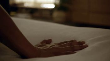 Tempur-Pedic Labor Day Sales Event TV Spot, 'Night and Day' - Thumbnail 2