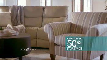 La-Z-Boy 36 Hour Sale TV Spot, 'Favorite Spot' - Thumbnail 6