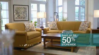 La-Z-Boy 36 Hour Sale TV Spot, 'Favorite Spot' - Thumbnail 7
