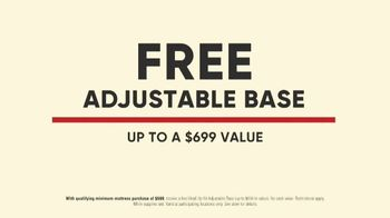 Mattress Firm Labor Day Sale TV Spot, 'More Bed for Your Buck' - Thumbnail 7