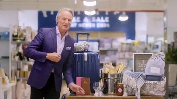 Marshalls TV Spot, 'TLC Channel: Say Yes to the Dress' Feat. Monte Durham - Thumbnail 8