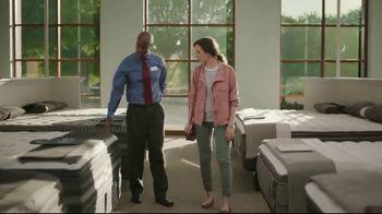 Havertys Labor Day Mattress Sale TV Spot, 'A Good Night's Sleep' - Thumbnail 4