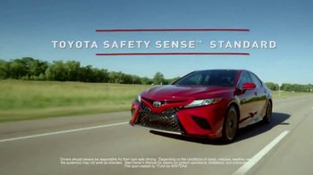 2018 Toyota Camry TV Spot, 'Jaw-Dropping Design' [T1] - Thumbnail 3