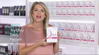 Olay Daily Facials TV Spot, 'Convenient' - Thumbnail 10