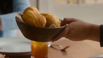 Boston Market Family Meal TV Spot, 'Extra Rotisserie Chicken' - Thumbnail 5