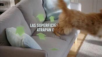 Febreze FABRIC Refresher Extra Strength TV Spot, 'Siempre fresco' [Spanish] - Thumbnail 3