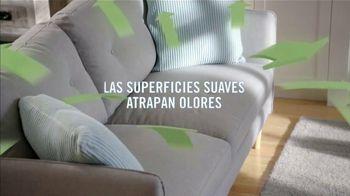 Febreze FABRIC Refresher Extra Strength TV Spot, 'Siempre fresco' [Spanish] - Thumbnail 4