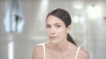 Teatrical Células Madre Desmaquillante TV Spot, 'Humecta' [Spanish] - Thumbnail 1