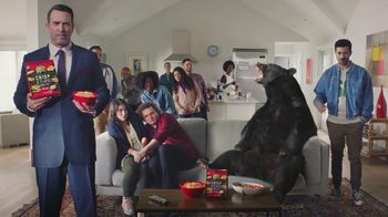 Ritz Crackers Crisp & Thins TV Spot, 'Live Mascot' - Thumbnail 6