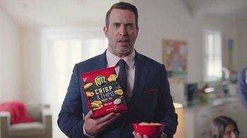 Ritz Crackers Crisp & Thins TV Spot, 'Live Mascot' - Thumbnail 7